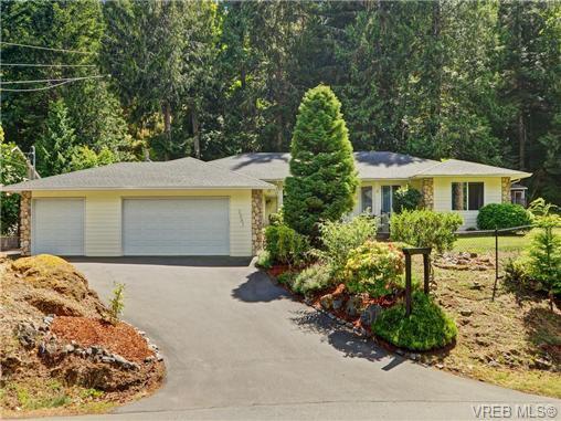 Main Photo: 2981 Lakewood Pl in VICTORIA: La Humpback House for sale (Langford)  : MLS®# 738166