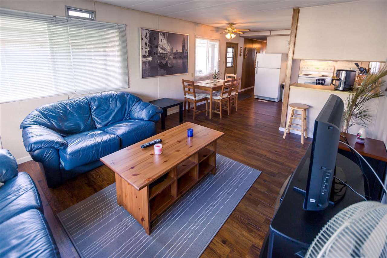"""Main Photo: 39 201 CAYER Street in Coquitlam: Maillardville Manufactured Home for sale in """"WILDWOOD"""" : MLS®# R2111986"""