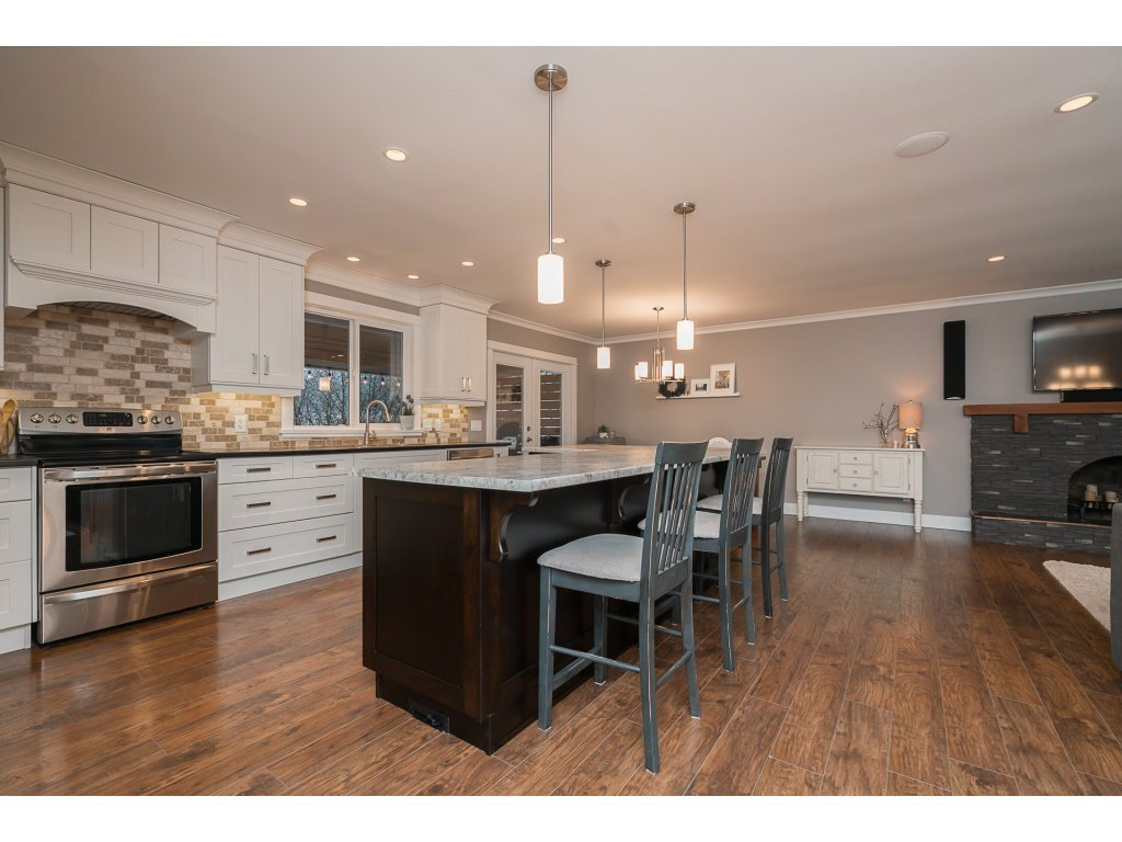 Photo 11: Photos: 5852 CLOVER Drive in Sardis: Vedder S Watson-Promontory House for sale : MLS®# R2132259