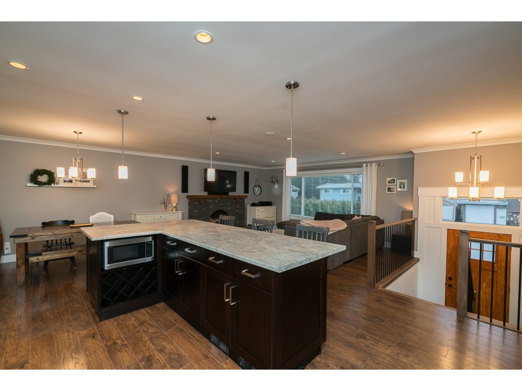 Photo 10: Photos: 5852 CLOVER Drive in Sardis: Vedder S Watson-Promontory House for sale : MLS®# R2132259
