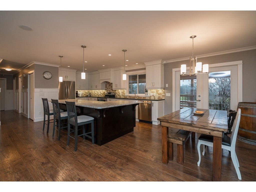 Photo 7: Photos: 5852 CLOVER Drive in Sardis: Vedder S Watson-Promontory House for sale : MLS®# R2132259
