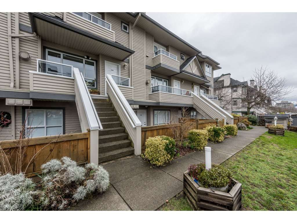 "Main Photo: 209 3938 ALBERT Street in Burnaby: Vancouver Heights Townhouse for sale in ""HERITAGE GREEN"" (Burnaby North)  : MLS®# R2146061"
