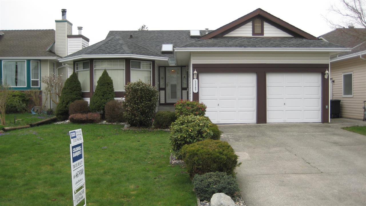 "Main Photo: 12187 CHESTNUT Crescent in Pitt Meadows: Mid Meadows House for sale in ""SOMERSET"" : MLS®# R2152907"