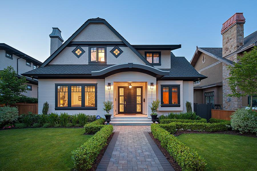 """Main Photo: 1189 W 32ND Avenue in Vancouver: Shaughnessy House for sale in """"SHAUGHNESSY"""" (Vancouver West)  : MLS®# R2174302"""