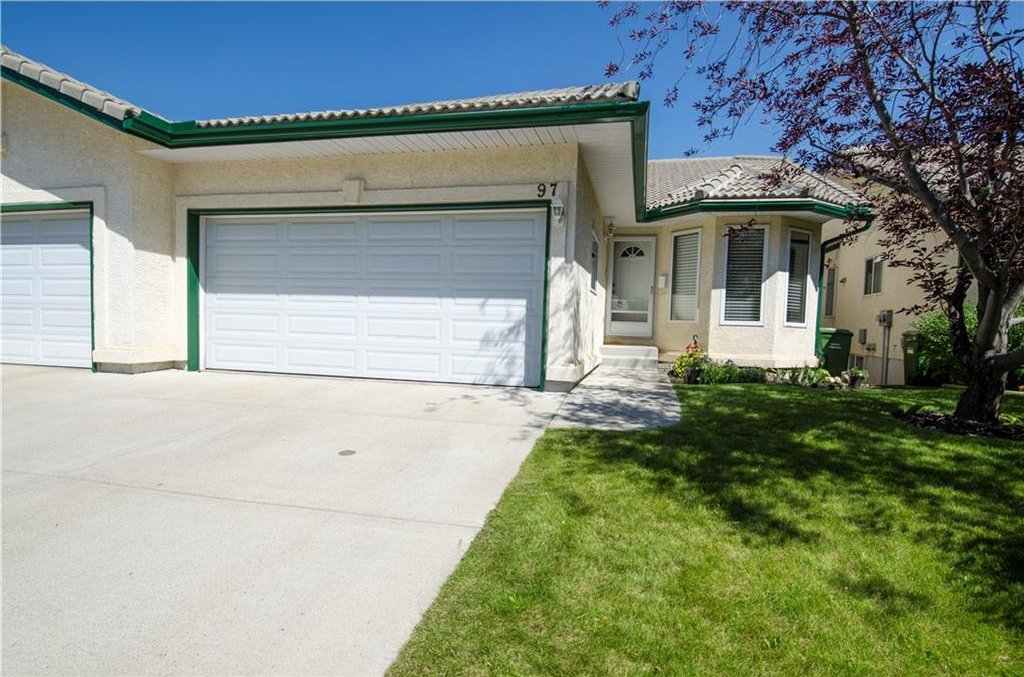Main Photo: 97 STRATHEARN Gardens SW in Calgary: Strathcona Park House for sale : MLS®# C4121195