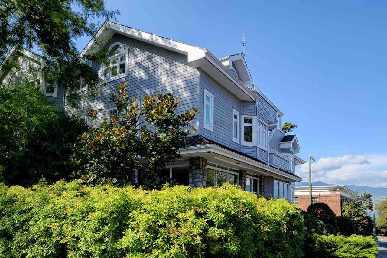 Main Photo: 2315 YORK AVENUE in Vancouver: Kitsilano Townhouse for sale (Vancouver West)  : MLS®# R2202373