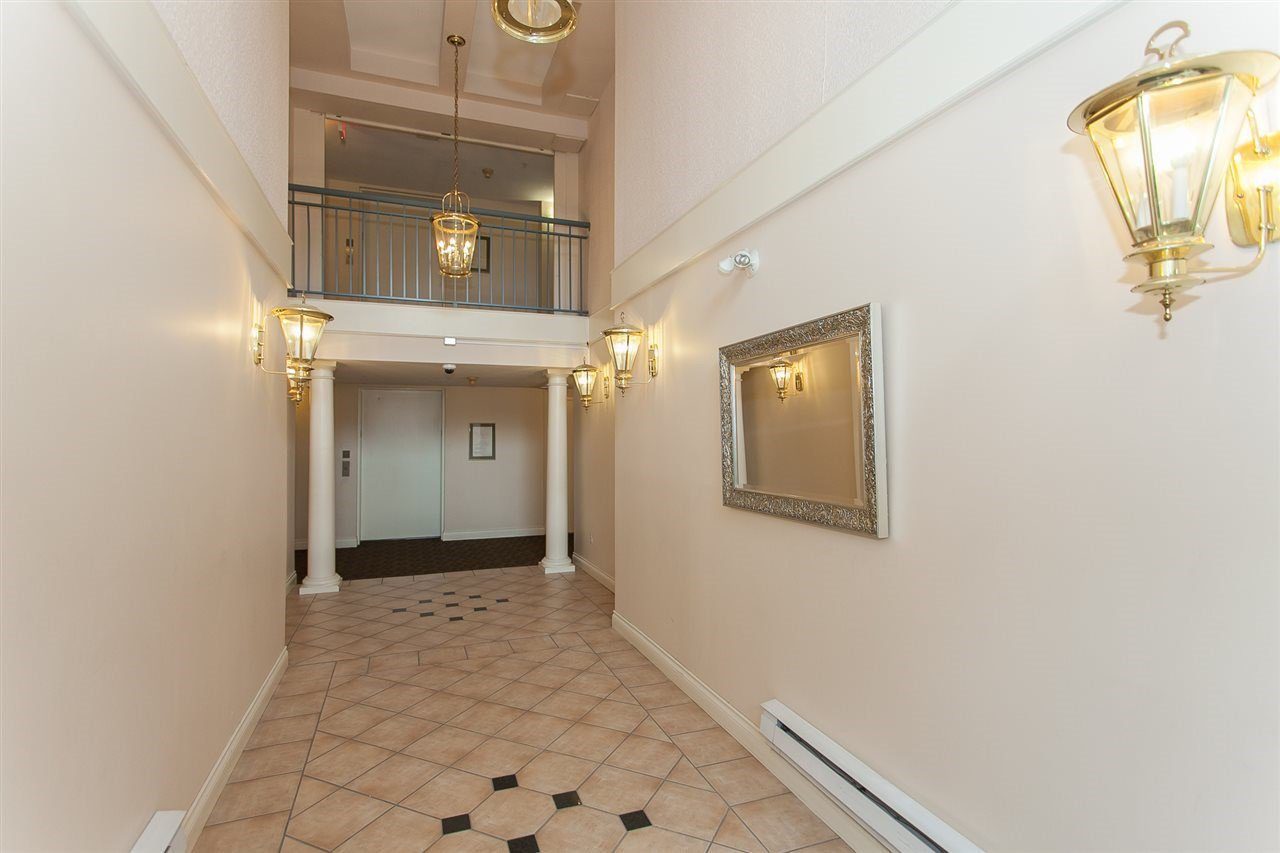 """Photo 16: Photos: 313 1669 GRANT Avenue in Port Coquitlam: Glenwood PQ Condo for sale in """"THE CHARLES"""" : MLS®# R2208270"""