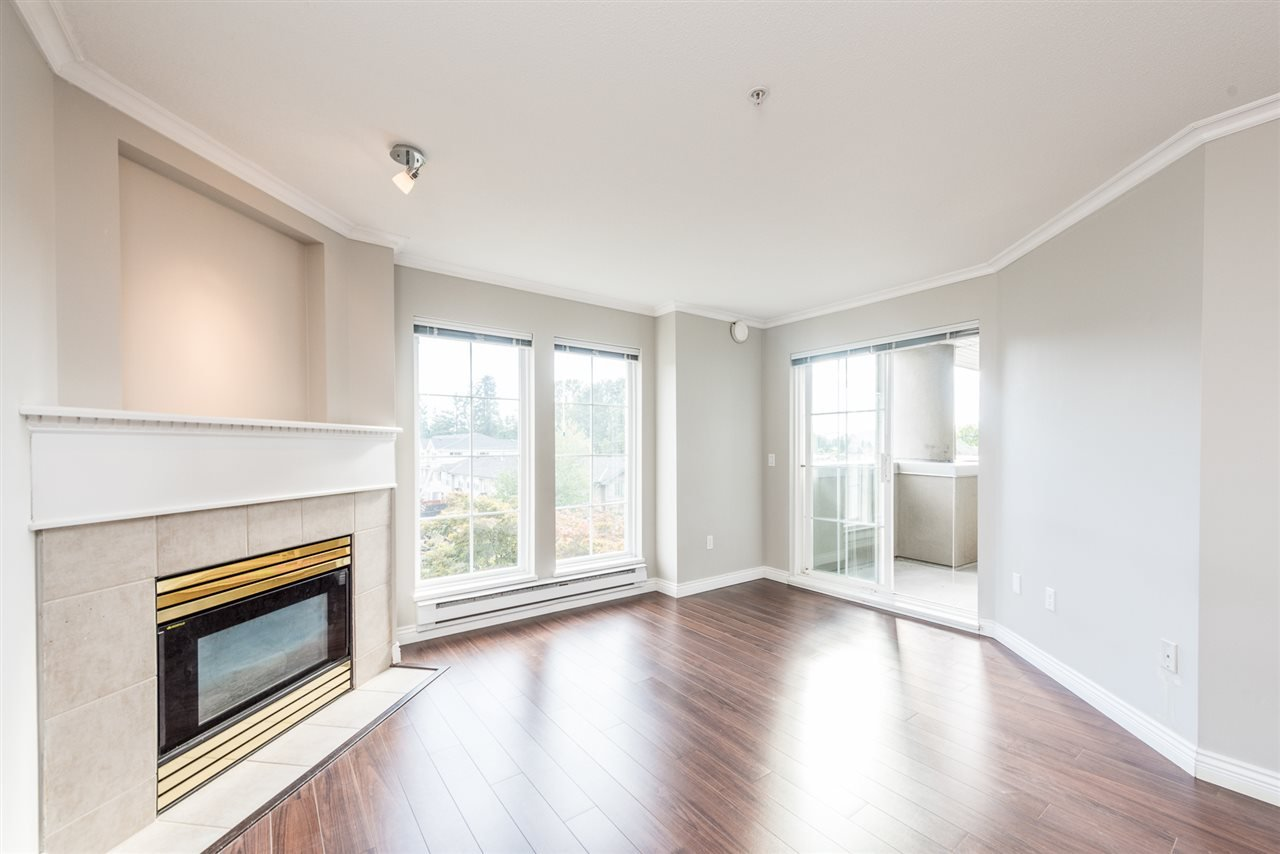 """Photo 3: Photos: 313 1669 GRANT Avenue in Port Coquitlam: Glenwood PQ Condo for sale in """"THE CHARLES"""" : MLS®# R2208270"""