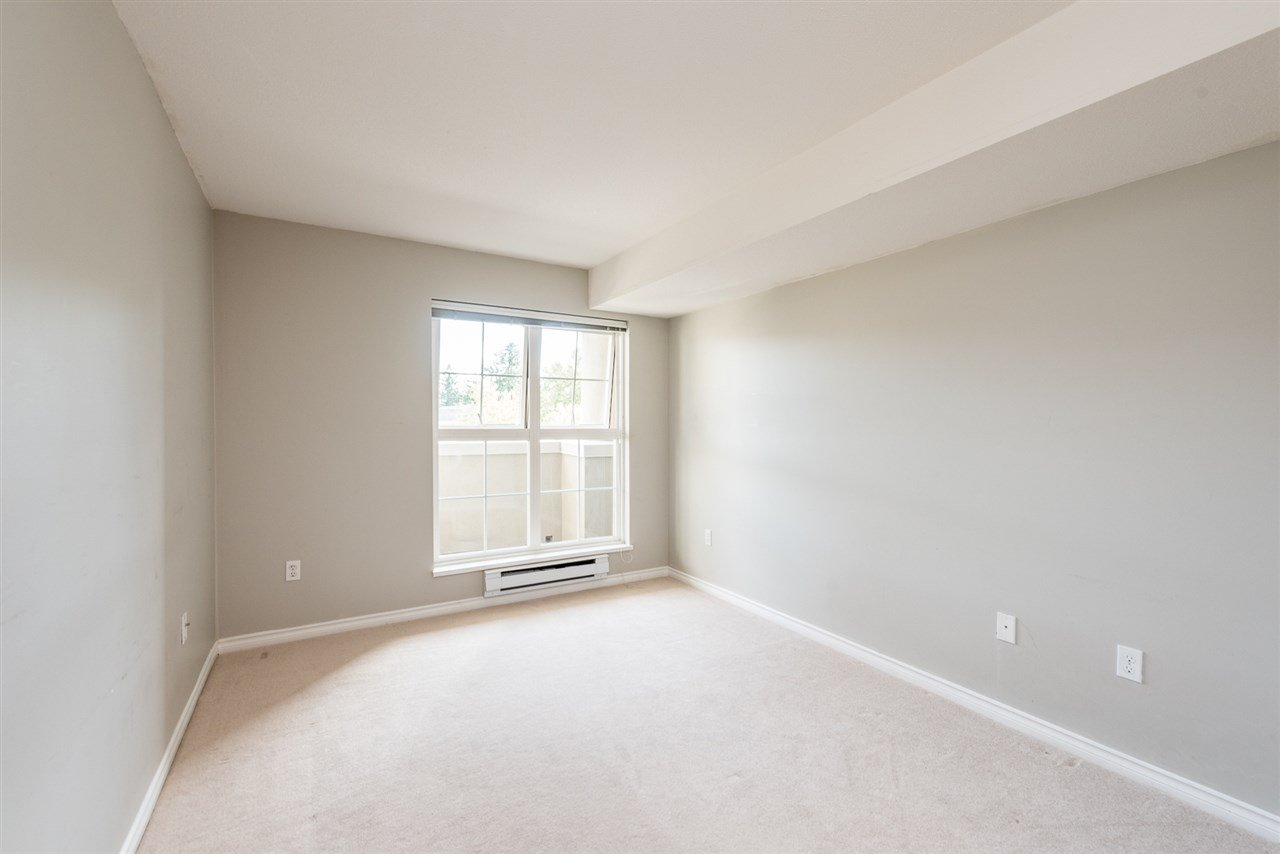 """Photo 6: Photos: 313 1669 GRANT Avenue in Port Coquitlam: Glenwood PQ Condo for sale in """"THE CHARLES"""" : MLS®# R2208270"""