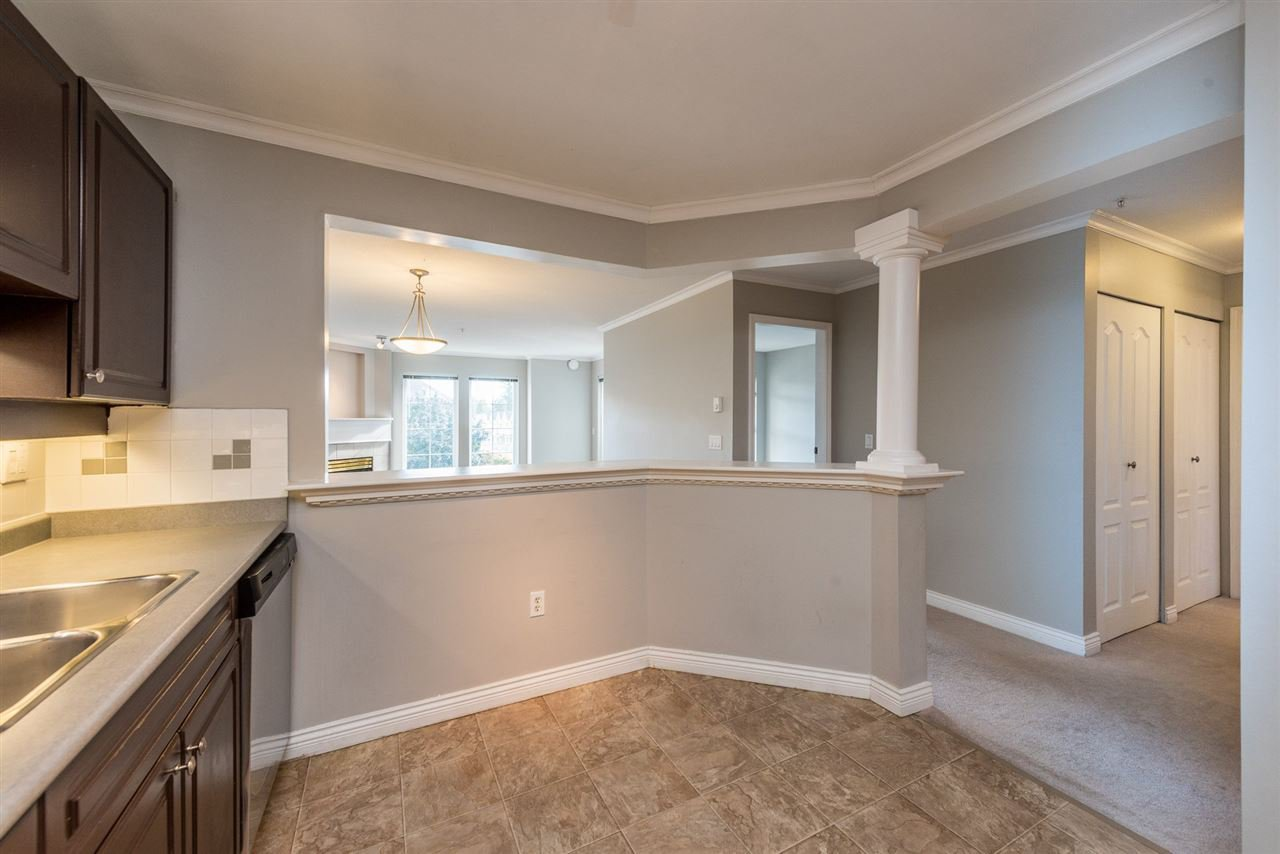 """Photo 2: Photos: 313 1669 GRANT Avenue in Port Coquitlam: Glenwood PQ Condo for sale in """"THE CHARLES"""" : MLS®# R2208270"""