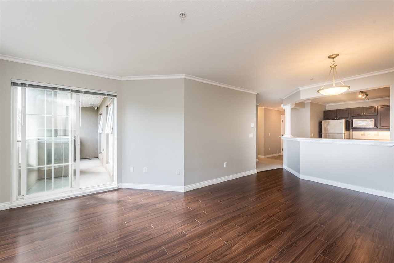 """Photo 5: Photos: 313 1669 GRANT Avenue in Port Coquitlam: Glenwood PQ Condo for sale in """"THE CHARLES"""" : MLS®# R2208270"""