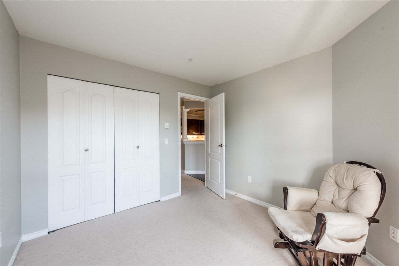 """Photo 10: Photos: 313 1669 GRANT Avenue in Port Coquitlam: Glenwood PQ Condo for sale in """"THE CHARLES"""" : MLS®# R2208270"""