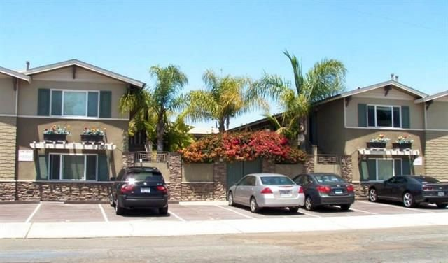 Main Photo: HILLCREST Condo for sale : 1 bedrooms : 3932 9Th Ave #3 in San Diego