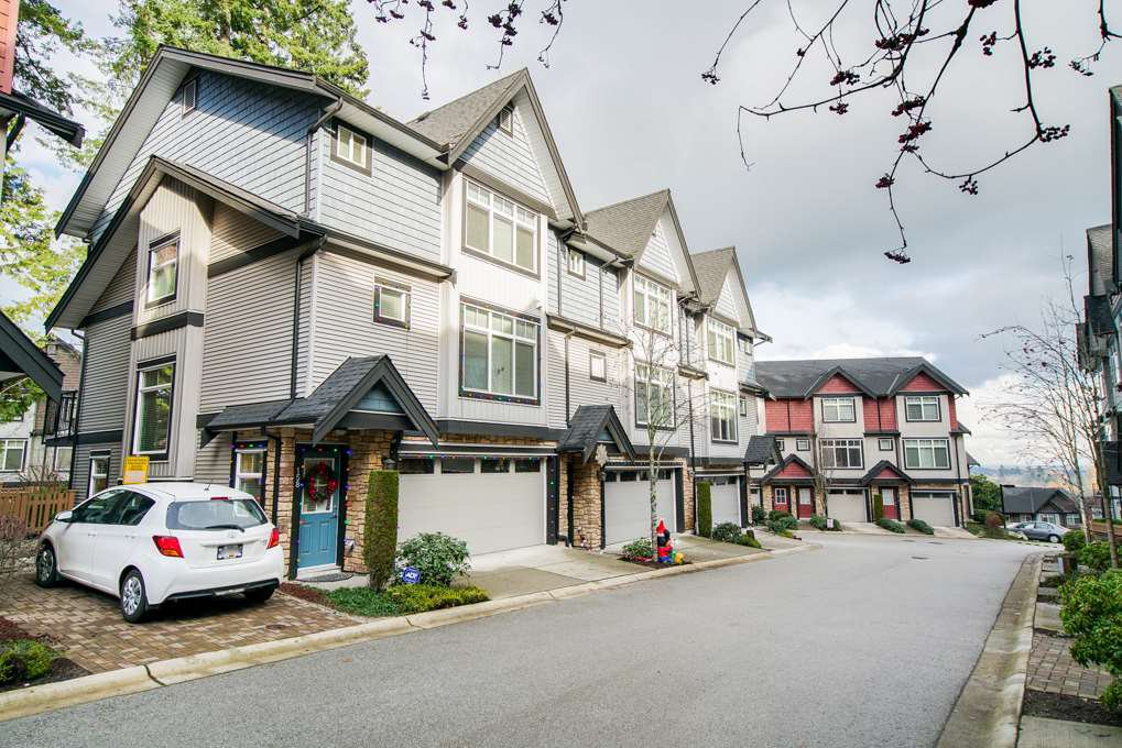 "Main Photo: 158 6299 144 Street in Surrey: Sullivan Station Townhouse for sale in ""Altura"" : MLS®# R2326025"
