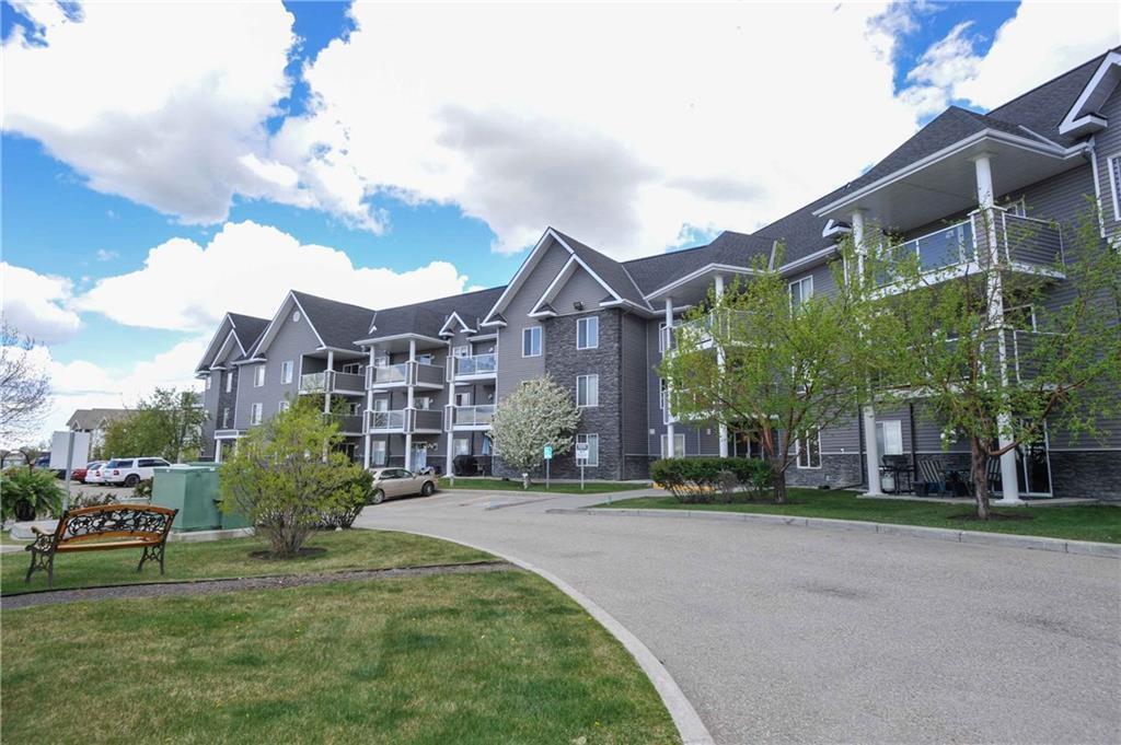 Main Photo: 1312 TUSCARORA Manor NW in Calgary: Tuscany Apartment for sale : MLS®# C4222203