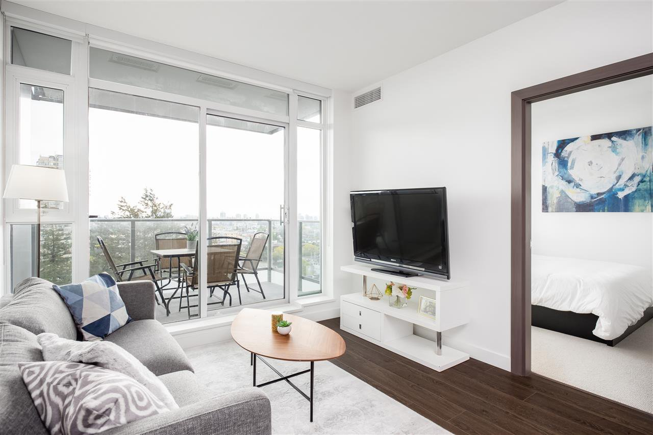 """Main Photo: #1810 - 6538 Nelson Ave, in Burnaby: Metrotown Condo for sale in """"MET 2"""" (Burnaby South)  : MLS®# R2367102"""
