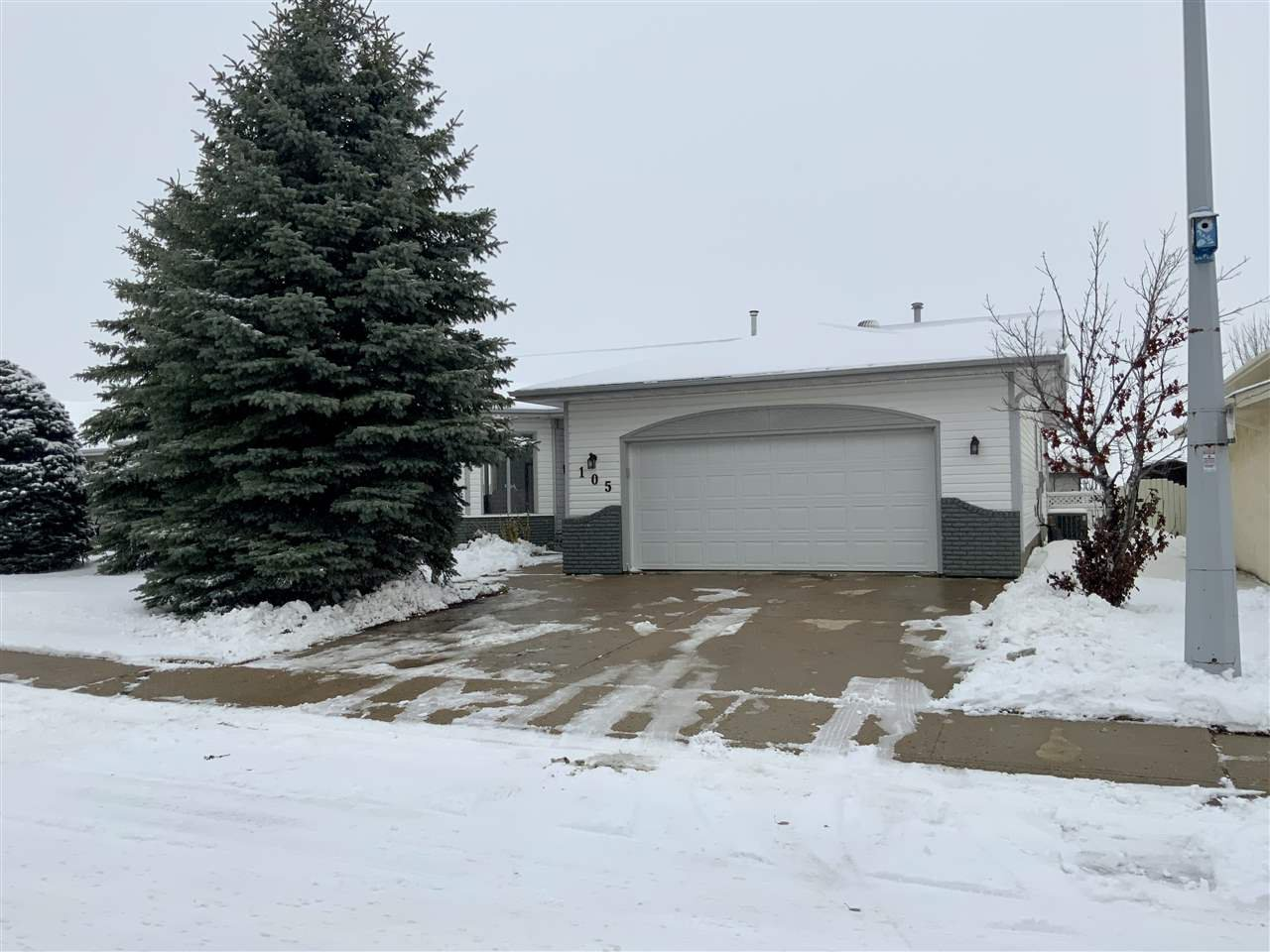 Main Photo: 105 Applewood Street: Wetaskiwin House for sale : MLS®# E4220695