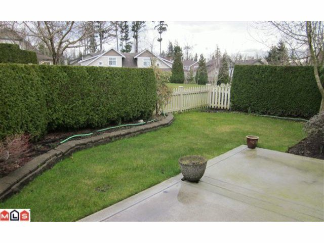 "Photo 6: Photos: 72 14877 33RD Avenue in Surrey: King George Corridor Townhouse for sale in ""SANDHURST"" (South Surrey White Rock)  : MLS®# F1107938"