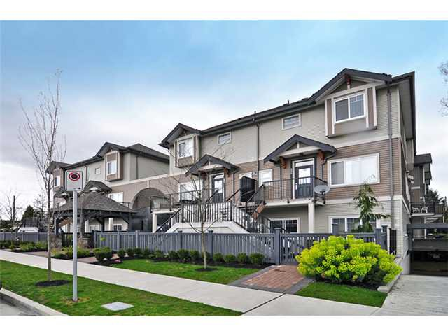 "Main Photo: 224 5211 IRMIN Street in Burnaby: Metrotown Townhouse for sale in ""ROYAL GARDENS"" (Burnaby South)  : MLS®# V885252"