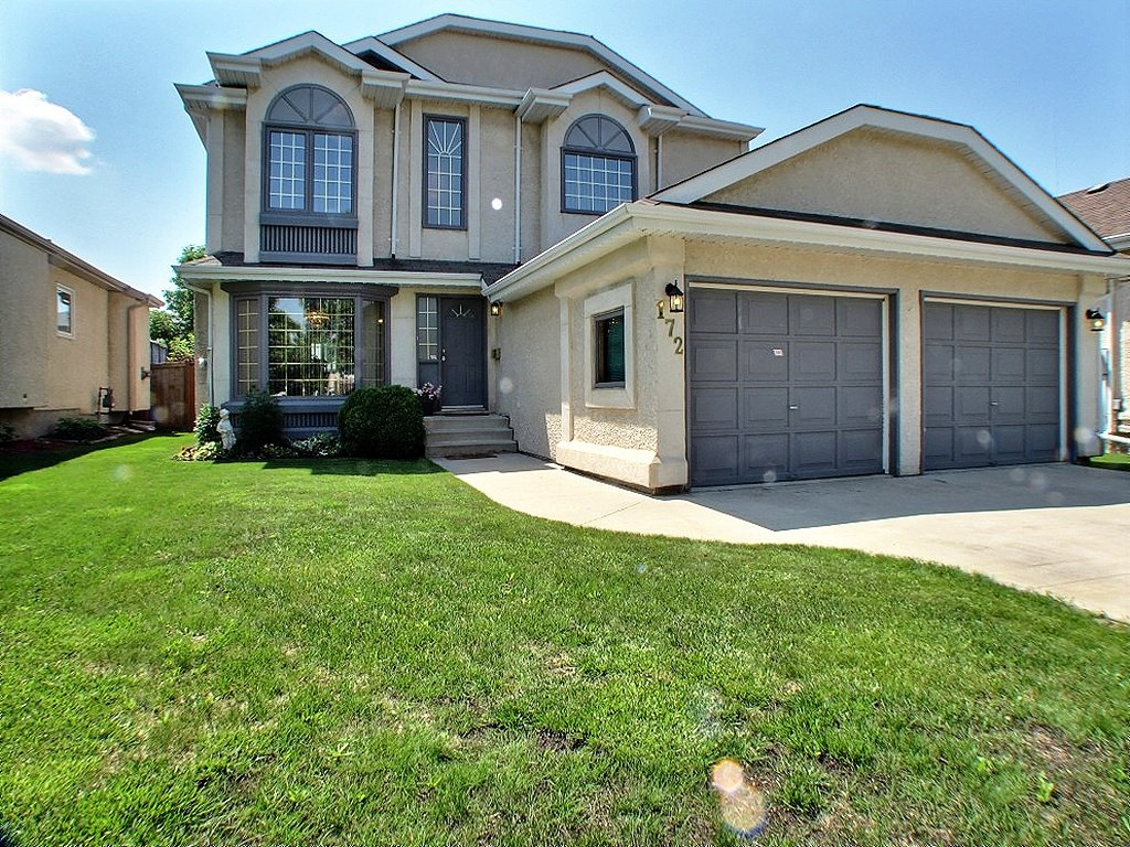 Main Photo: 172 Verona Drive in : Amber Trails Residential for sale (North West Winnipeg)  : MLS®# 1313797