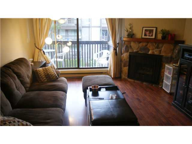 """Photo 3: Photos: 409 9672 134TH Street in Surrey: Whalley Condo for sale in """"DOGWOOD"""" (North Surrey)  : MLS®# F1403404"""