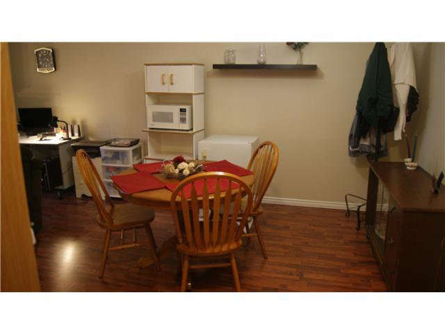 """Photo 4: Photos: 409 9672 134TH Street in Surrey: Whalley Condo for sale in """"DOGWOOD"""" (North Surrey)  : MLS®# F1403404"""