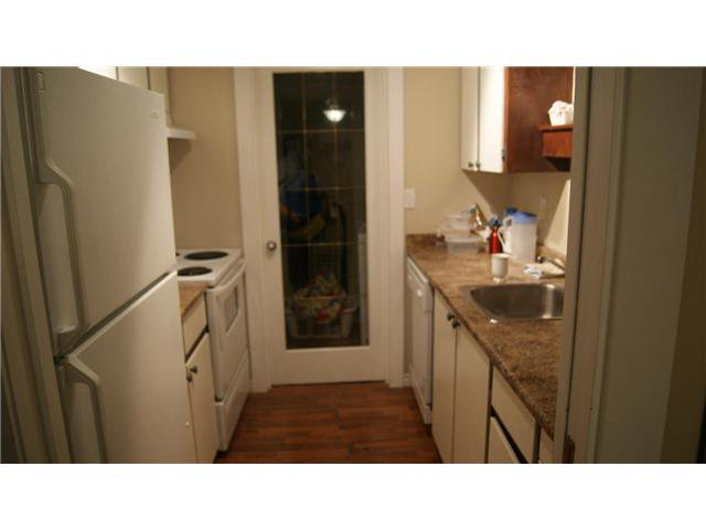 """Photo 8: Photos: 409 9672 134TH Street in Surrey: Whalley Condo for sale in """"DOGWOOD"""" (North Surrey)  : MLS®# F1403404"""