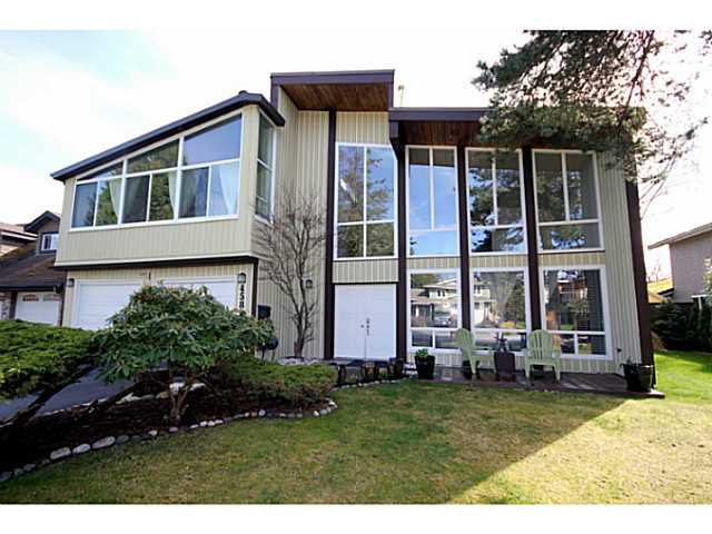 "Main Photo: 458 SHANNON Way in Tsawwassen: Pebble Hill House for sale in ""TSAWWASSEN HEIGHTS"" : MLS®# V1052172"