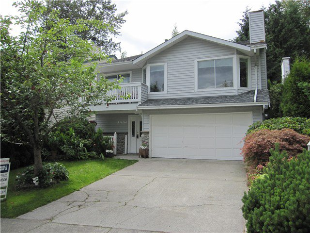 Main Photo: 22527 BRICKWOOD Close in Maple Ridge: East Central House for sale : MLS®# V1058947