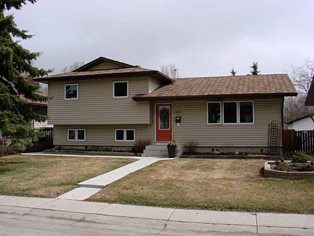 Main Photo: 3412 60 Street NE in CALGARY: Temple Residential Detached Single Family for sale (Calgary)  : MLS®# C3611757