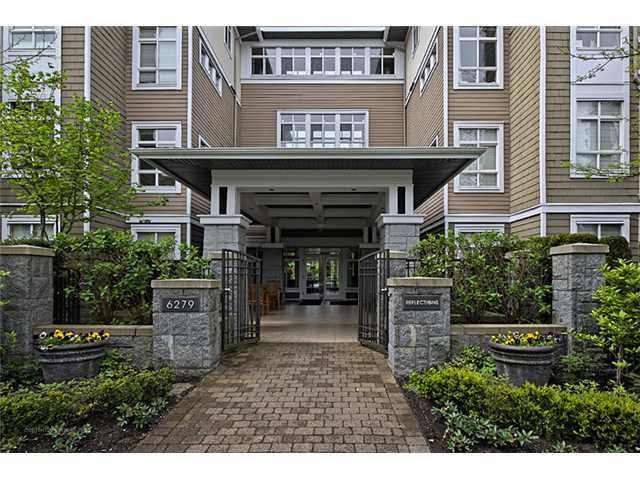 "Main Photo: 303 6279 EAGLES Drive in Vancouver: University VW Condo for sale in ""REFLECTIONS"" (Vancouver West)  : MLS®# V1061772"