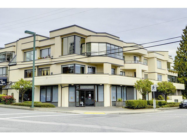 "Main Photo: 3A 1400 GEORGE Street: White Rock Condo for sale in ""GEORGIAN PLACE"" (South Surrey White Rock)  : MLS®# F1424164"