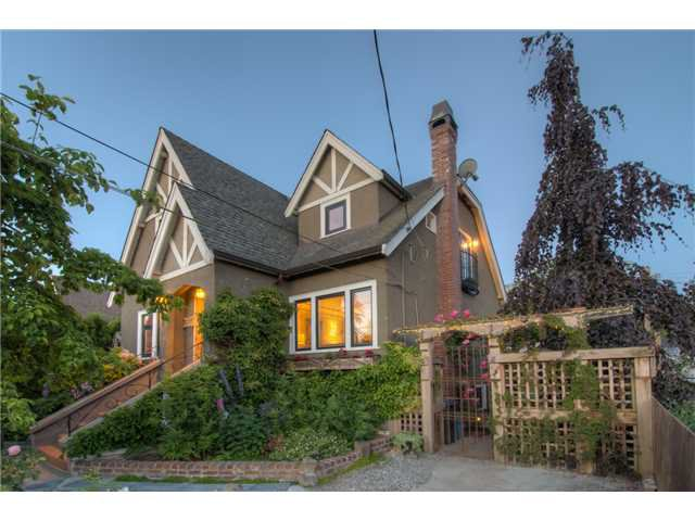 """Main Photo: 412 EIGHTH Avenue in New Westminster: GlenBrooke North House for sale in """"GLENBROOKE NORTH"""" : MLS®# V1128890"""