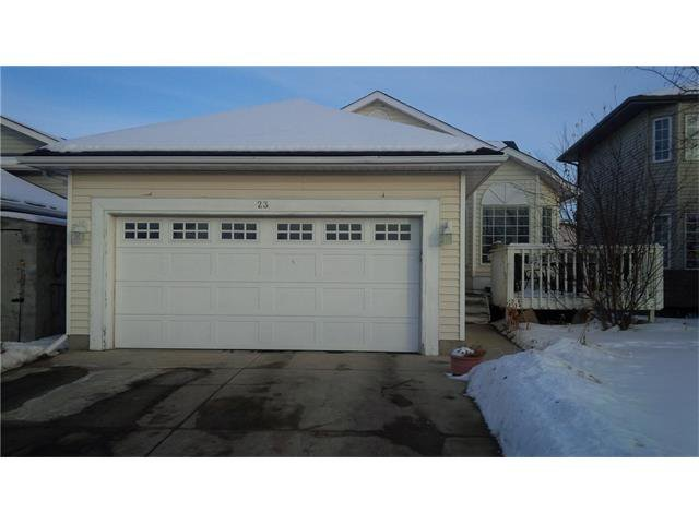 Main Photo: 23 APPLEFIELD Close SE in Calgary: Applewood Park House for sale : MLS®# C4043938