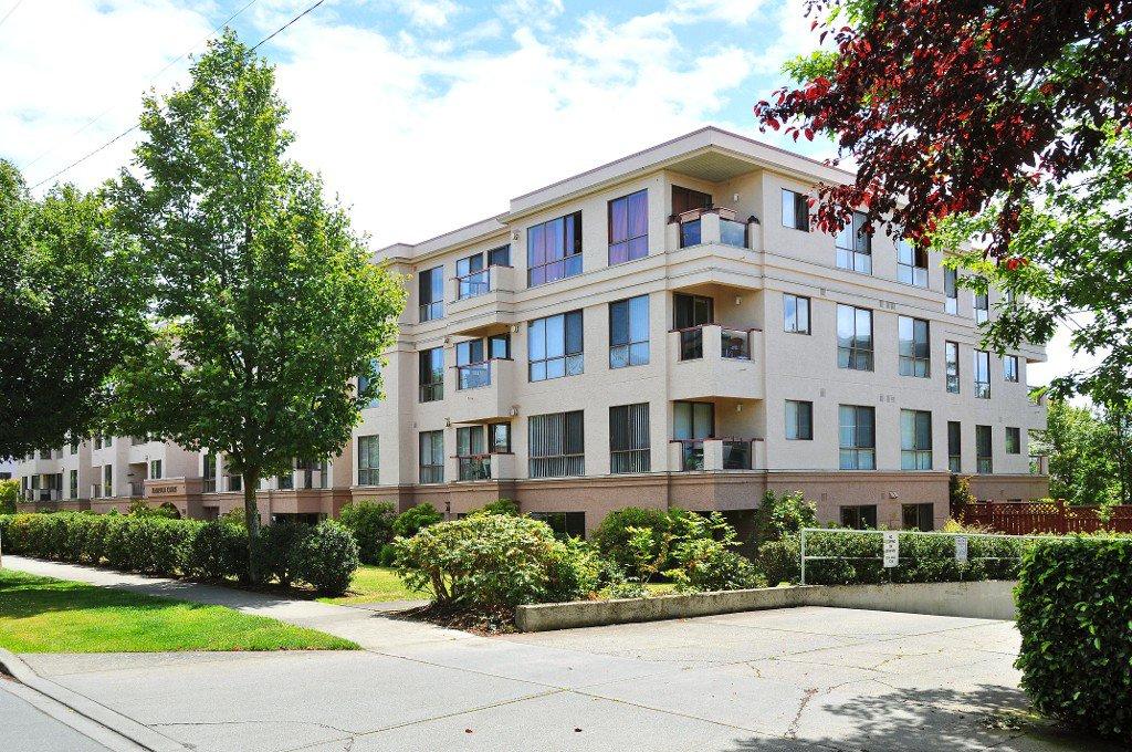 Main Photo: 110 545 Manchester Rd in VICTORIA: Vi Burnside Condo Apartment for sale (Victoria)  : MLS®# 739420