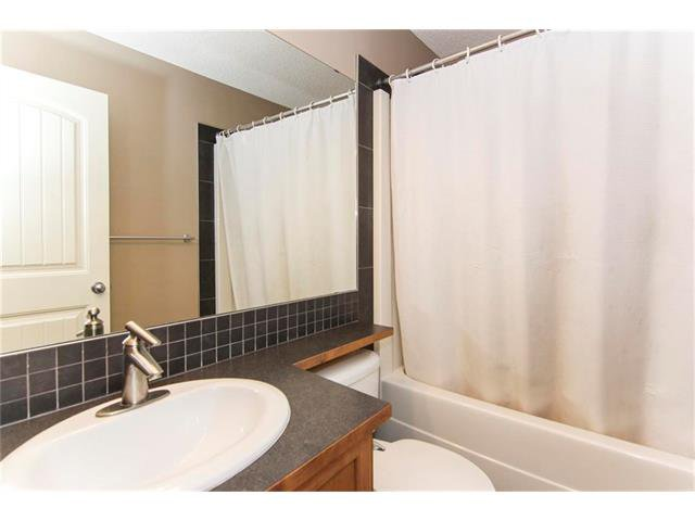 Photo 18: Photos: 136 EVERSYDE Boulevard SW in Calgary: Evergreen House for sale : MLS®# C4081553
