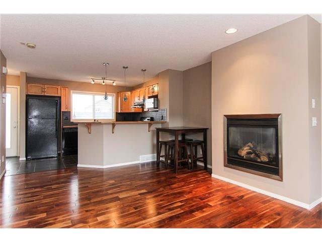 Photo 5: Photos: 136 EVERSYDE Boulevard SW in Calgary: Evergreen House for sale : MLS®# C4081553