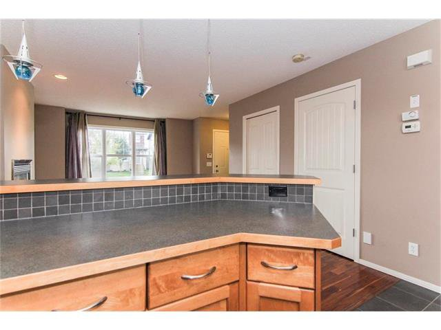 Photo 10: Photos: 136 EVERSYDE Boulevard SW in Calgary: Evergreen House for sale : MLS®# C4081553