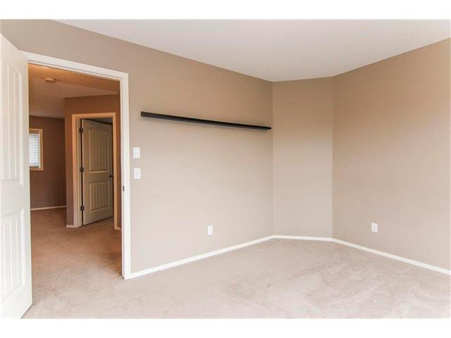 Photo 20: Photos: 136 EVERSYDE Boulevard SW in Calgary: Evergreen House for sale : MLS®# C4081553