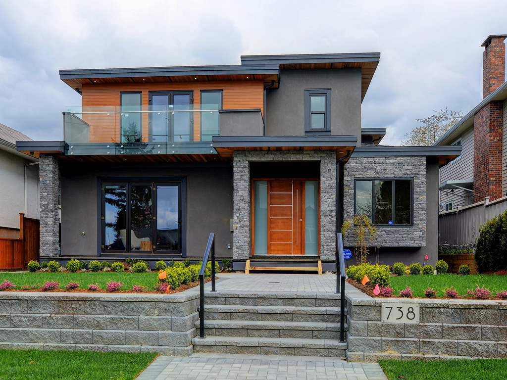 Photo 3: Photos: 738 E 7TH Street in North Vancouver: Queensbury House for sale : MLS®# R2164158