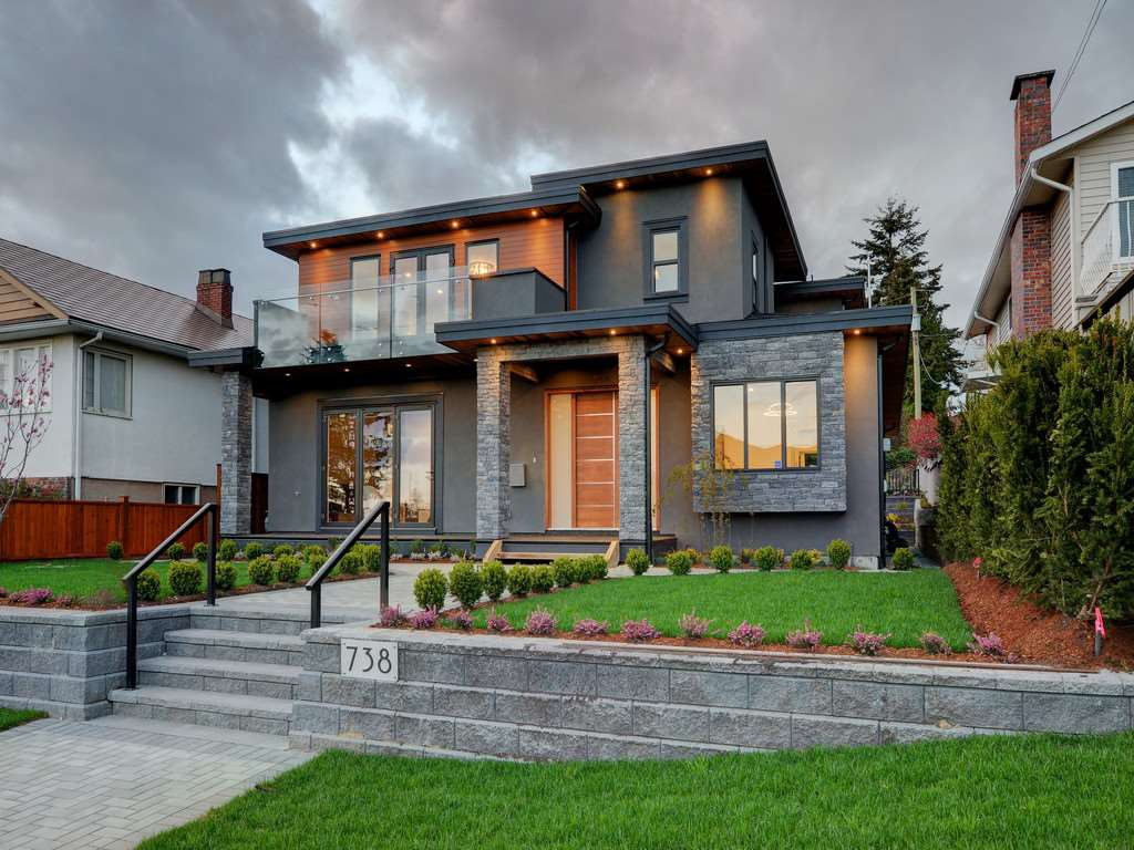Photo 17: Photos: 738 E 7TH Street in North Vancouver: Queensbury House for sale : MLS®# R2164158