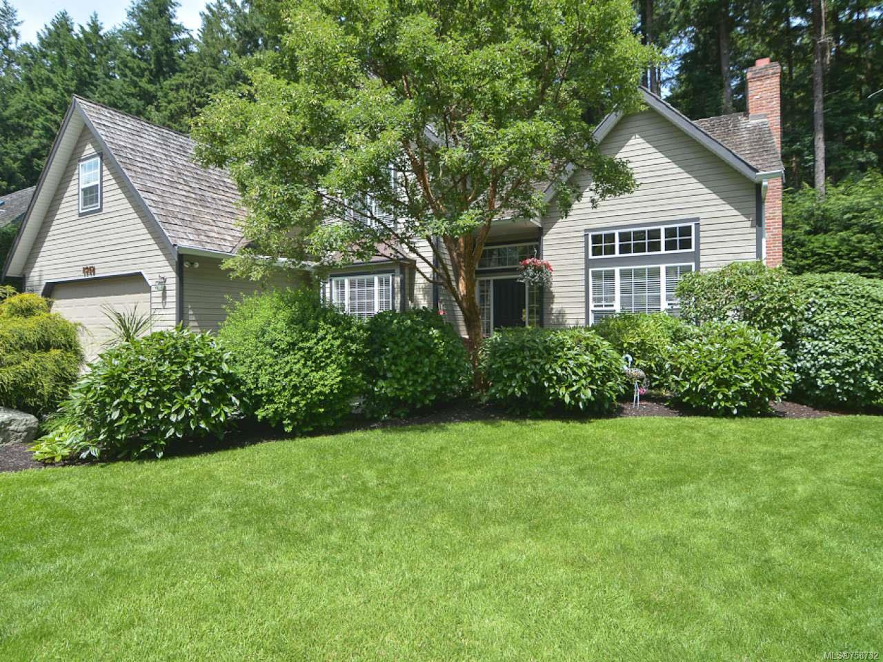 Main Photo: 1542 MULBERRY Lane in COMOX: CV Comox (Town of) House for sale (Comox Valley)  : MLS®# 758732