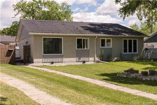Main Photo: 427 Dowling Avenue in Winnipeg: East Transcona Residential for sale (3M)  : MLS®# 1716134