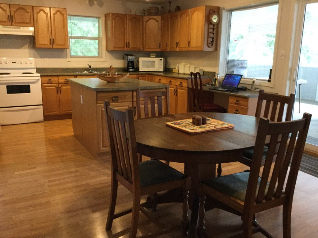 Photo 6: Photos: 8682 Penwith Way in St Ives: North Shuswap House for sale (Shuswap)  : MLS®# 10162657