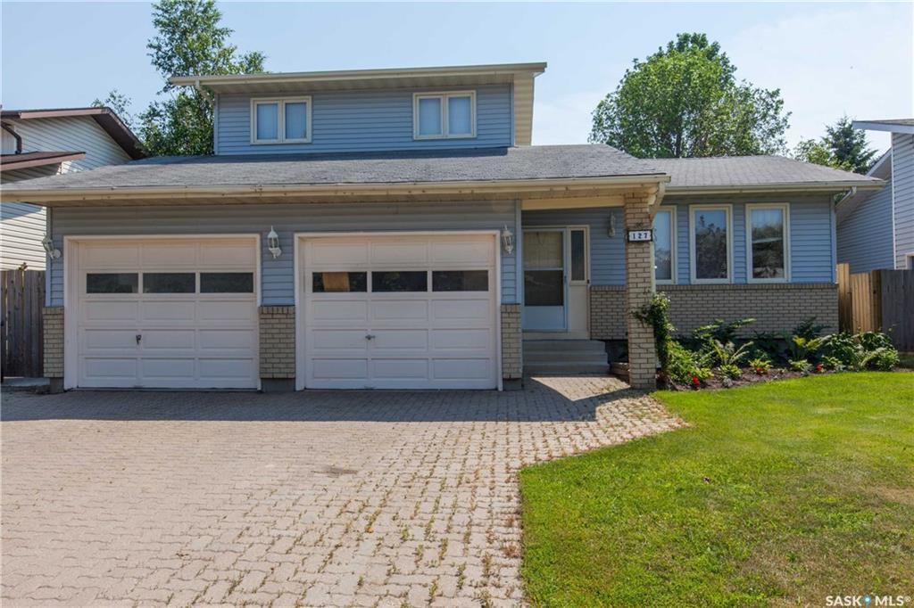 Main Photo: 127 Brunst Crescent in Saskatoon: Erindale Residential for sale : MLS®# SK703751