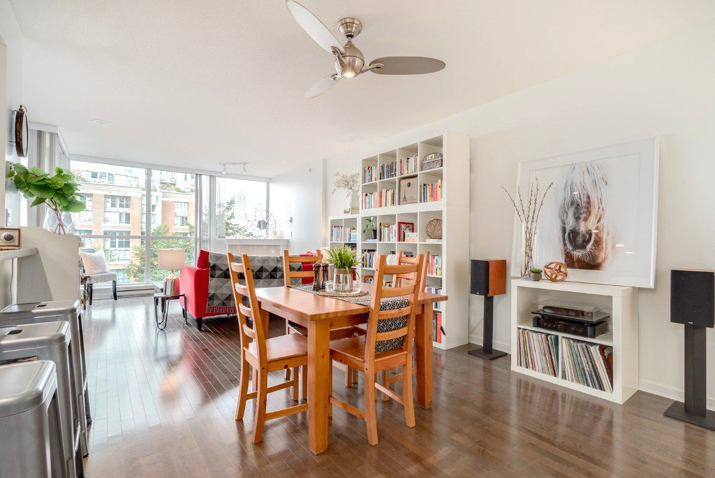"""Main Photo: 506 189 NATIONAL Avenue in Vancouver: Mount Pleasant VE Condo for sale in """"THE SUSSEX"""" (Vancouver East)  : MLS®# R2209651"""