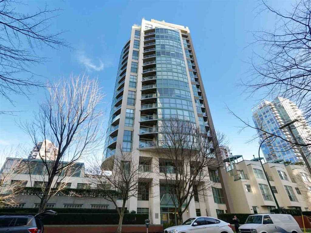 "Main Photo: 1505 907 BEACH Avenue in Vancouver: Yaletown Condo for sale in ""CORAL CRT"" (Vancouver West)  : MLS®# R2229594"