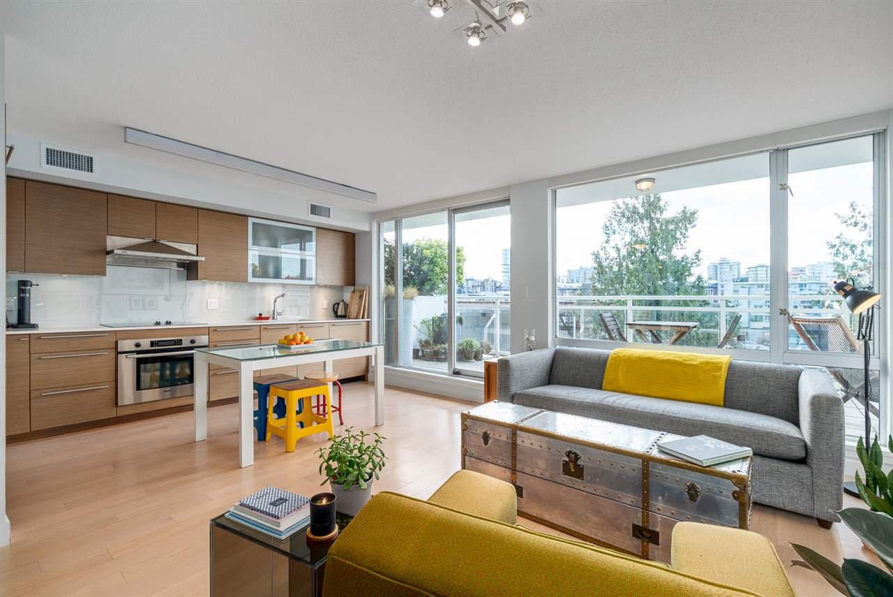 "Main Photo: 508 1635 W 3RD Avenue in Vancouver: False Creek Condo for sale in ""The Lumen"" (Vancouver West)  : MLS®# R2252692"