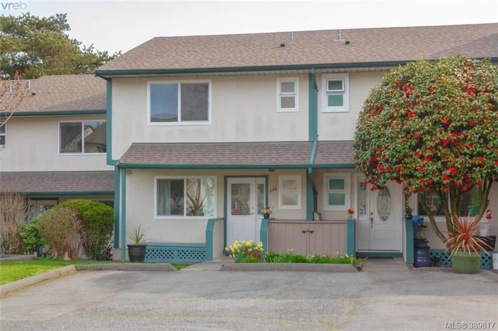 Main Photo: 604 640 Broadway St in VICTORIA: SW Glanford Row/Townhouse for sale (Saanich West)  : MLS®# 783500