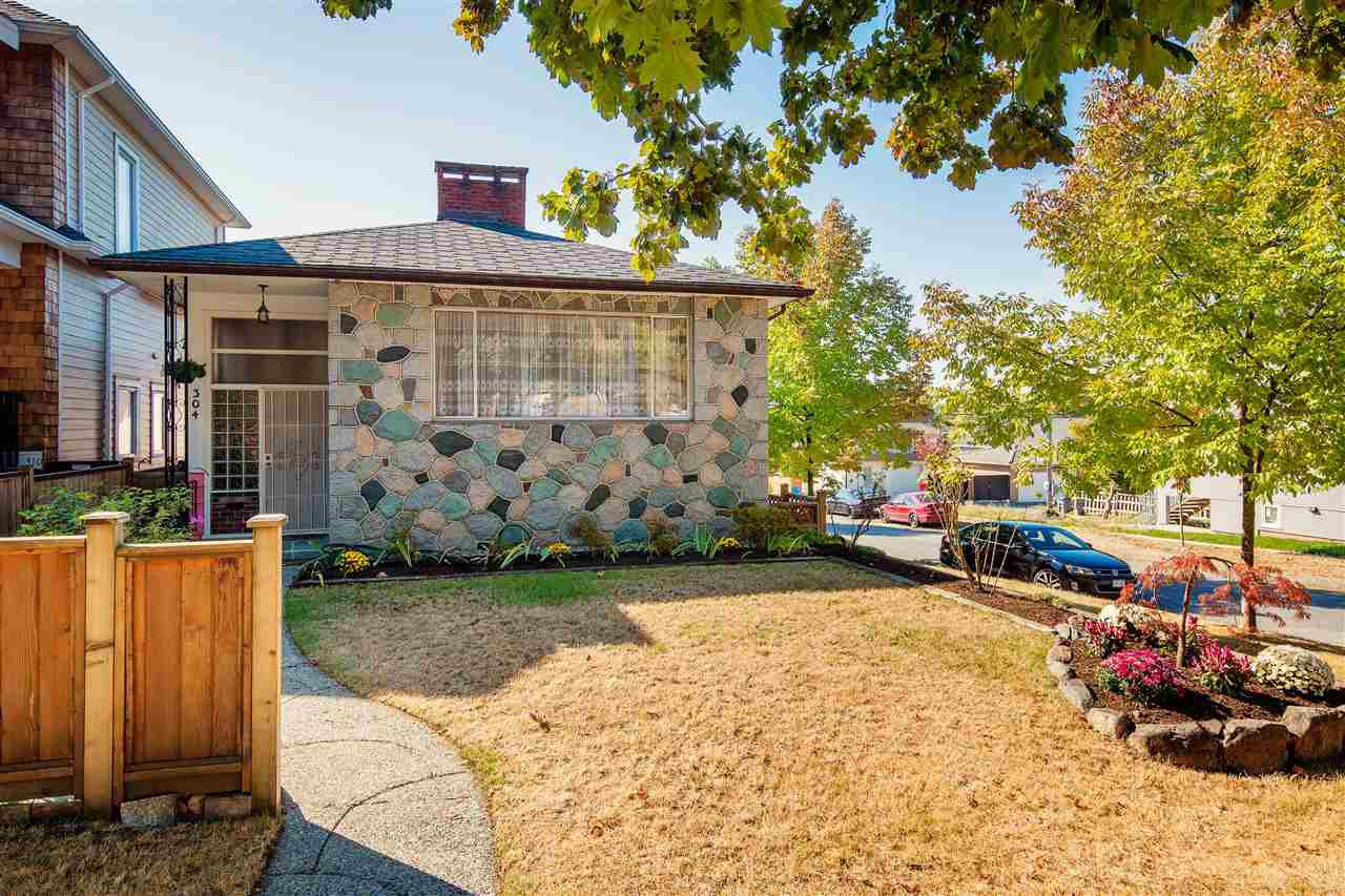 Main Photo: 304 E 45TH Avenue in Vancouver: Main House for sale (Vancouver East)  : MLS®# R2304768